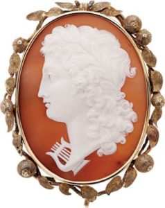 Mid Victorian shell cameo gold pendant brooch